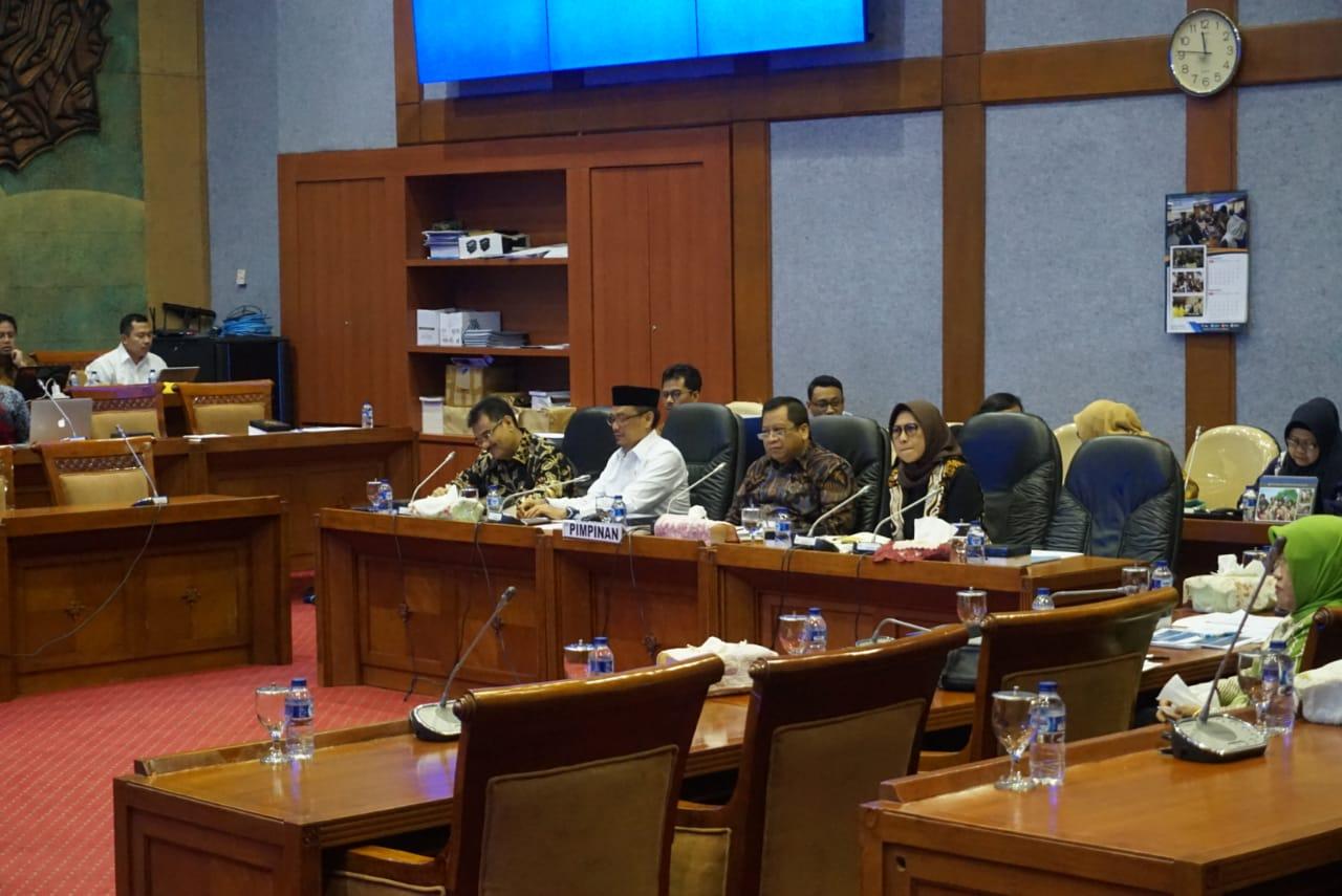 Hetifah: DPR RI-Pemerintah Sepakat Tuntaskan Masalah Guru Honorer