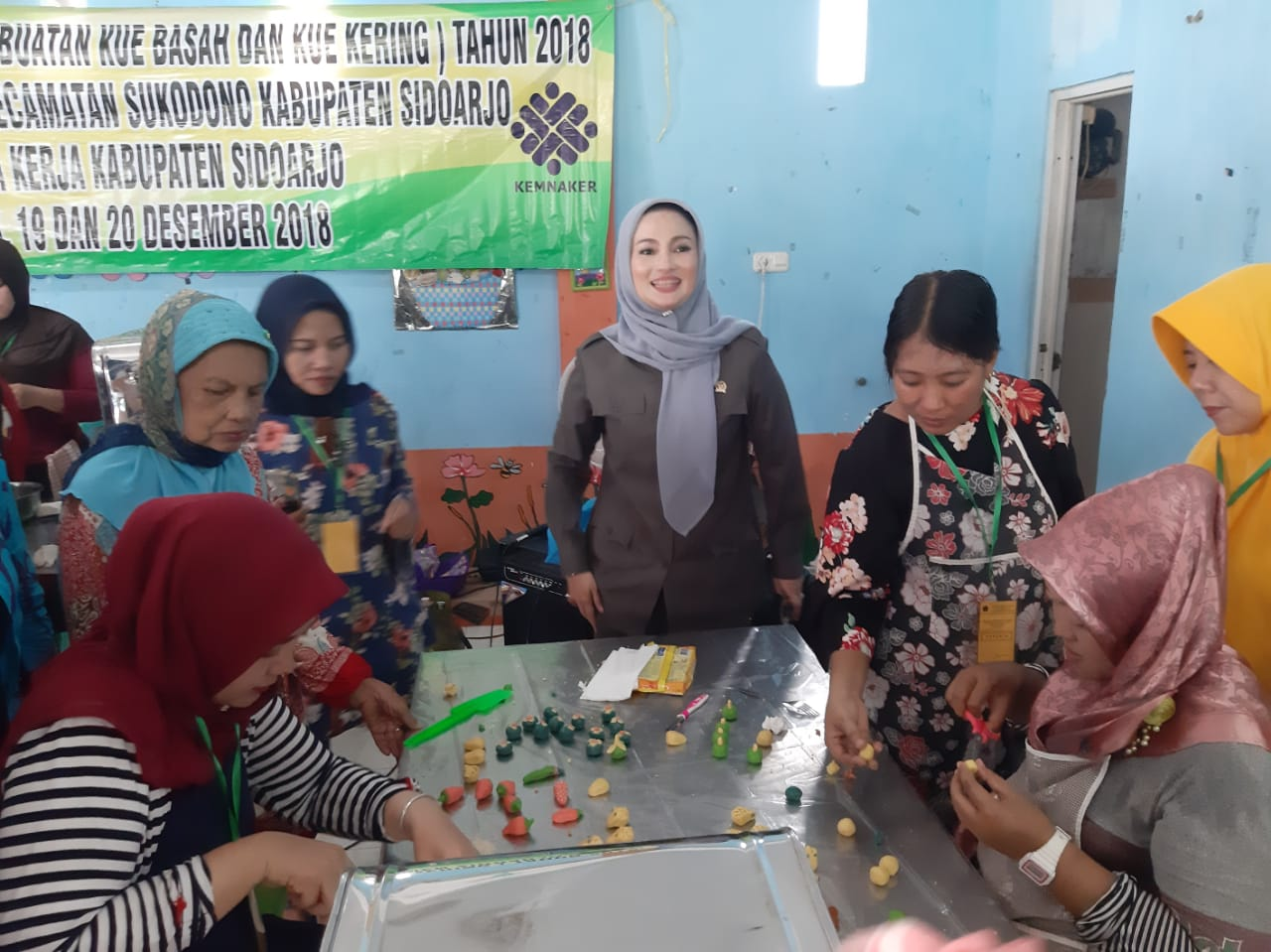Tepat Sasaran, Ning Lucy Puas Dengan Program Padat Karya Bhayangkara