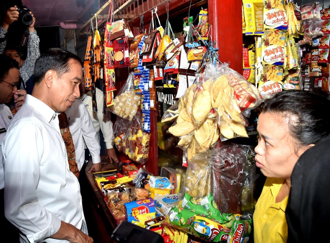 Presiden Jokowi Datangi Nasabah PNM Mekaar di Tambora