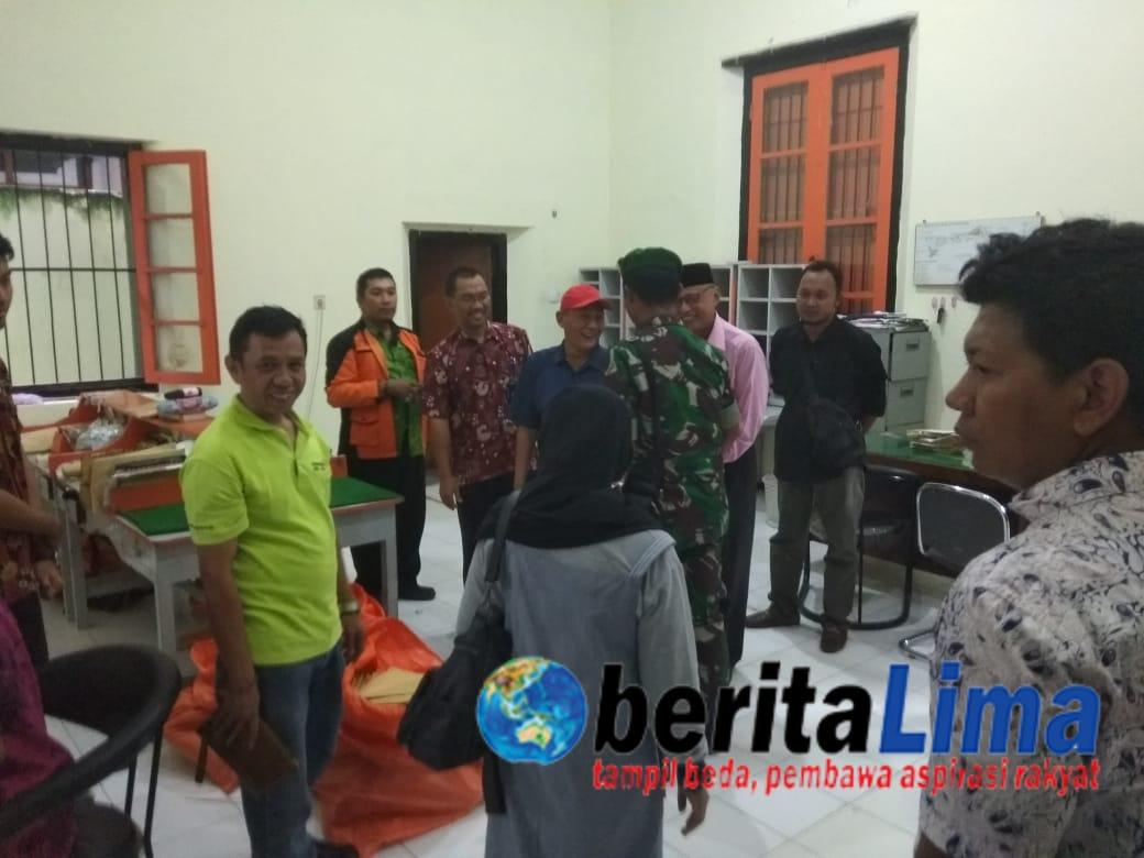Diduga Ada Pelanggaran Pemilu, Penyebaran Tabloid Indonesia Barokah Dicegah BAWASLU Situbondo