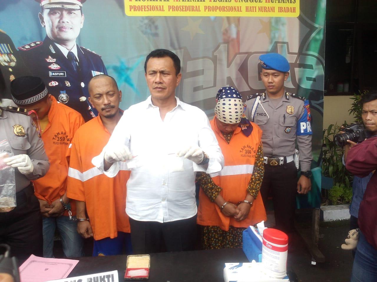 Bawa Sabu, Satreskoba Polresta Malang Bekuk Pasutri
