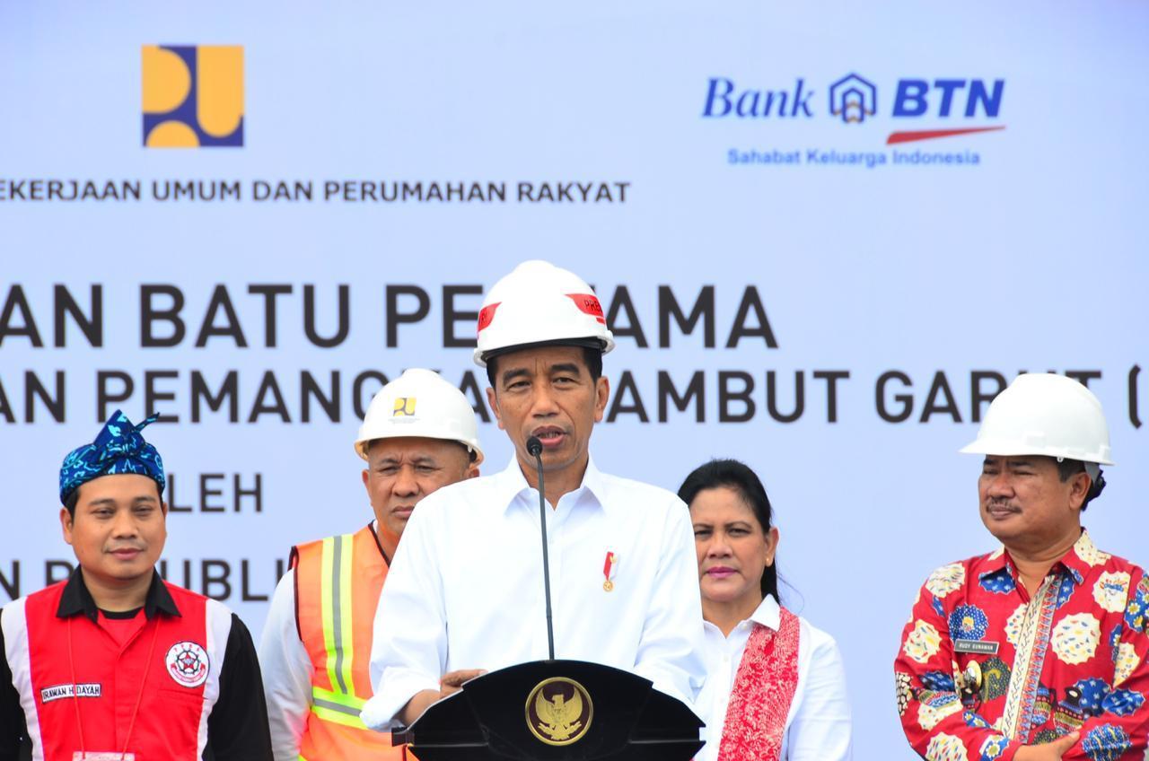 Jokowi Sosialisasikan Prioritas Penggunaan Dana Desa di Garut