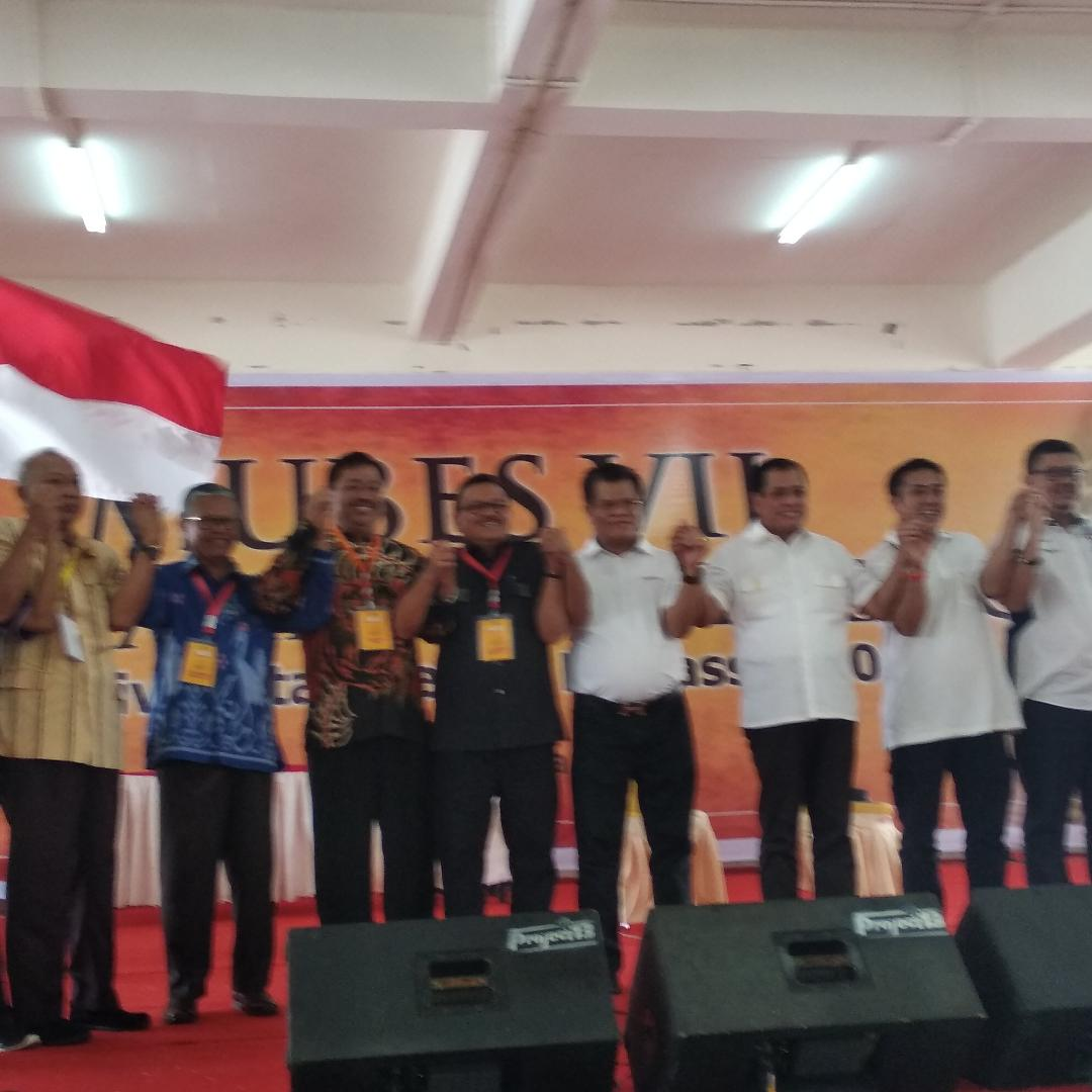 Nurdin Halid Pimpin IKA UNM Didampingi 8 Anggota Formatur Susun Kepengurusan