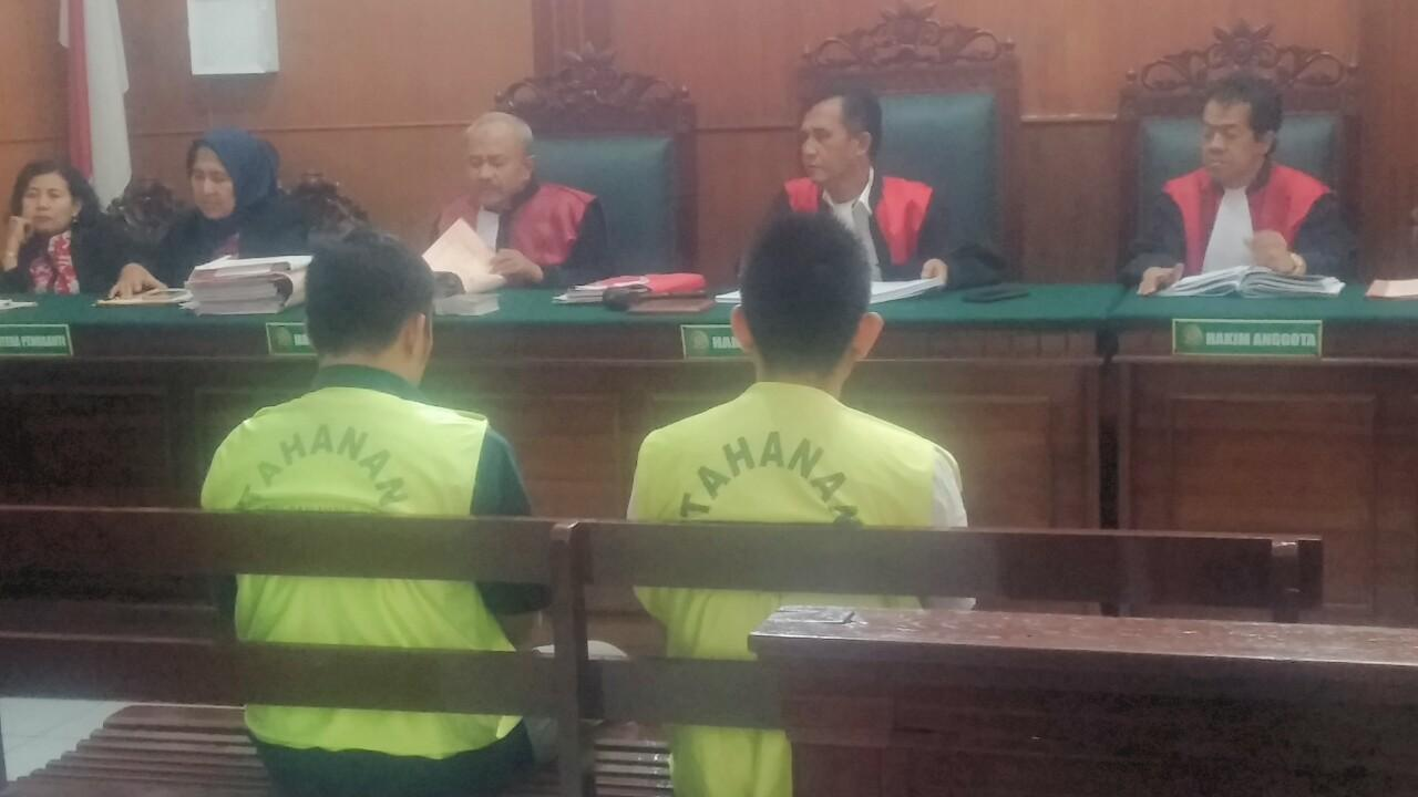 Penyelundup Tiga Kontainer Miras Senilai Rp27 Miliar Dihukm 2 Tahun Penjara dan Denda 100 Juta