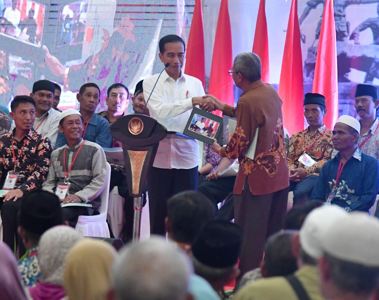 Jemput Bola Layani Rakyat, Presiden Jokowi: Pejabat Harus Seperti Itu