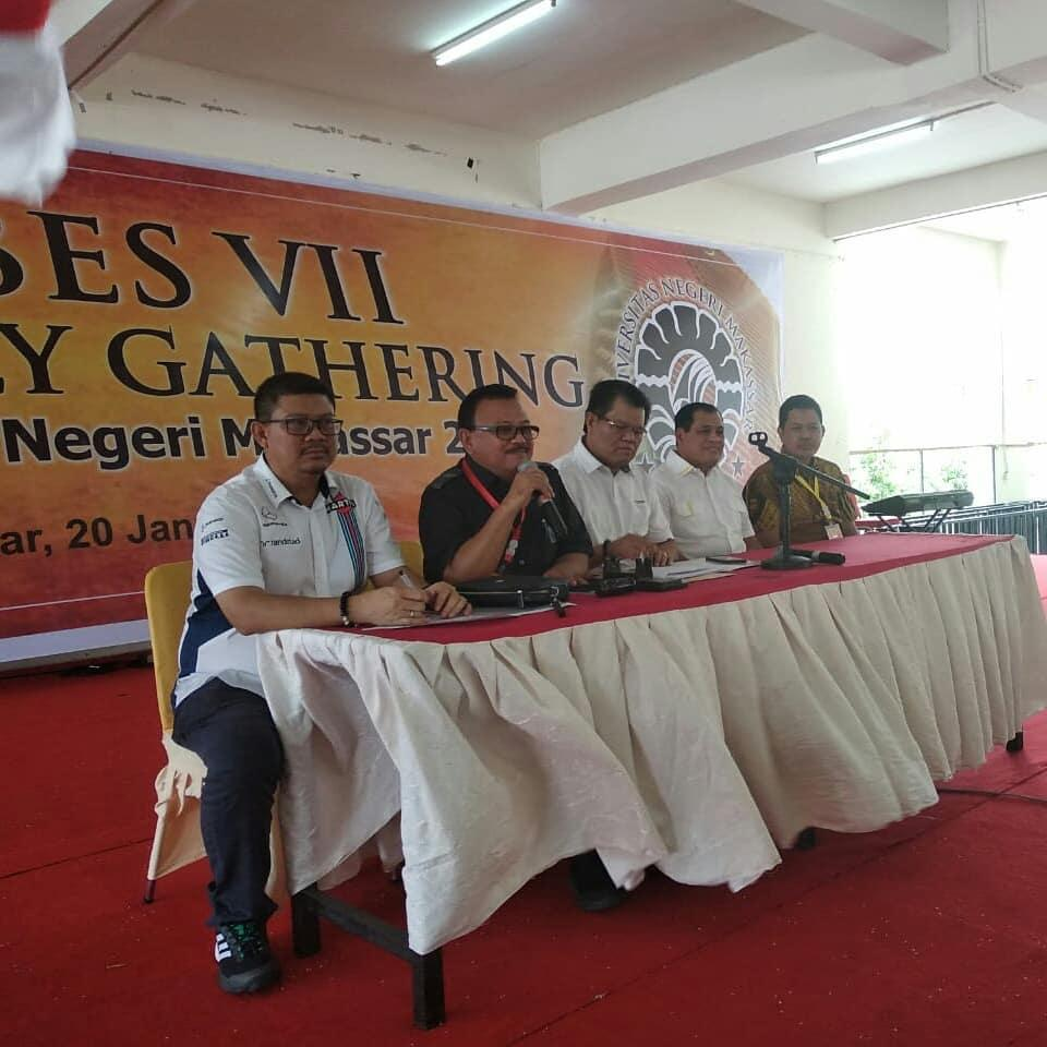 Kepala LLDIKTI IX Prof Jasruddin Pimpin Rapat Mubes VII IKA UNM 2019