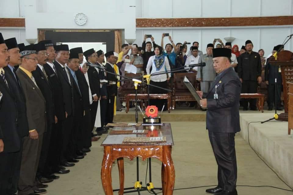 Sekdaprov Lantik 184 Kepsek Dan 96 Kasubag Se-Provinsi Bengkulu