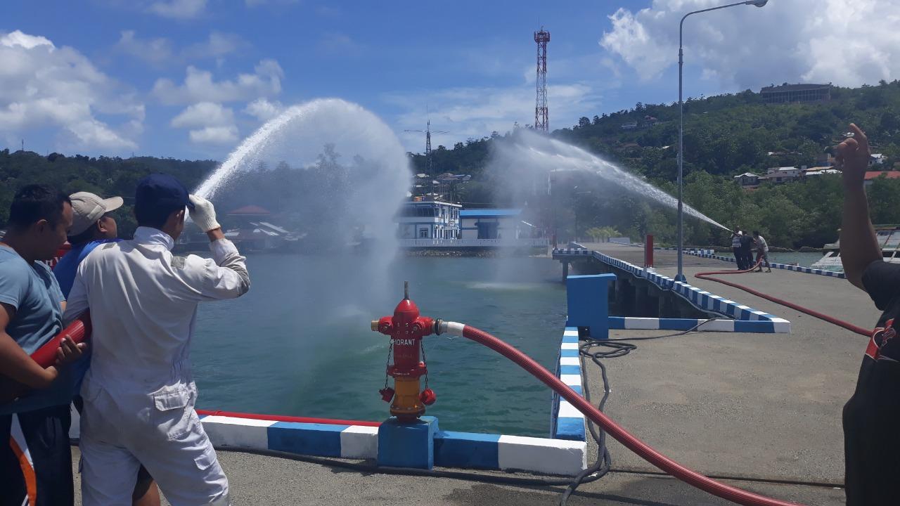 Simulasi Pemadam Kebakaran di Pangkalan Armada Bakamla RI Ambon