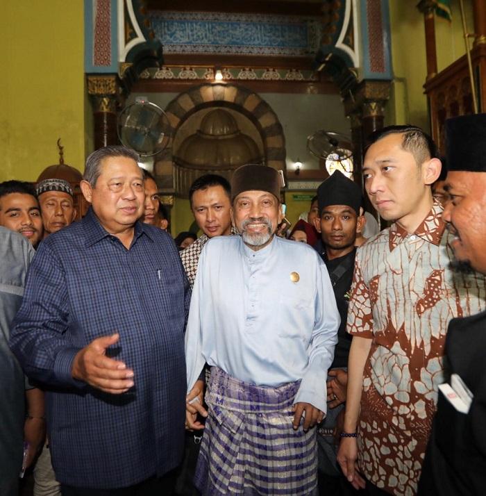 Dalam Perjalanan Medan-Banda Aceh, SBY Silaturahmi Dengan Sultan Langkat