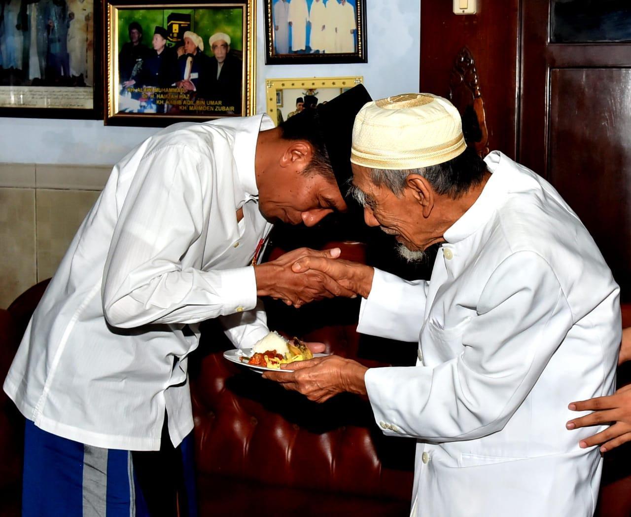 Di Pesantren Al Anwar, Presiden Ajak Semua Pihak Rawat Persatuan Bangsa