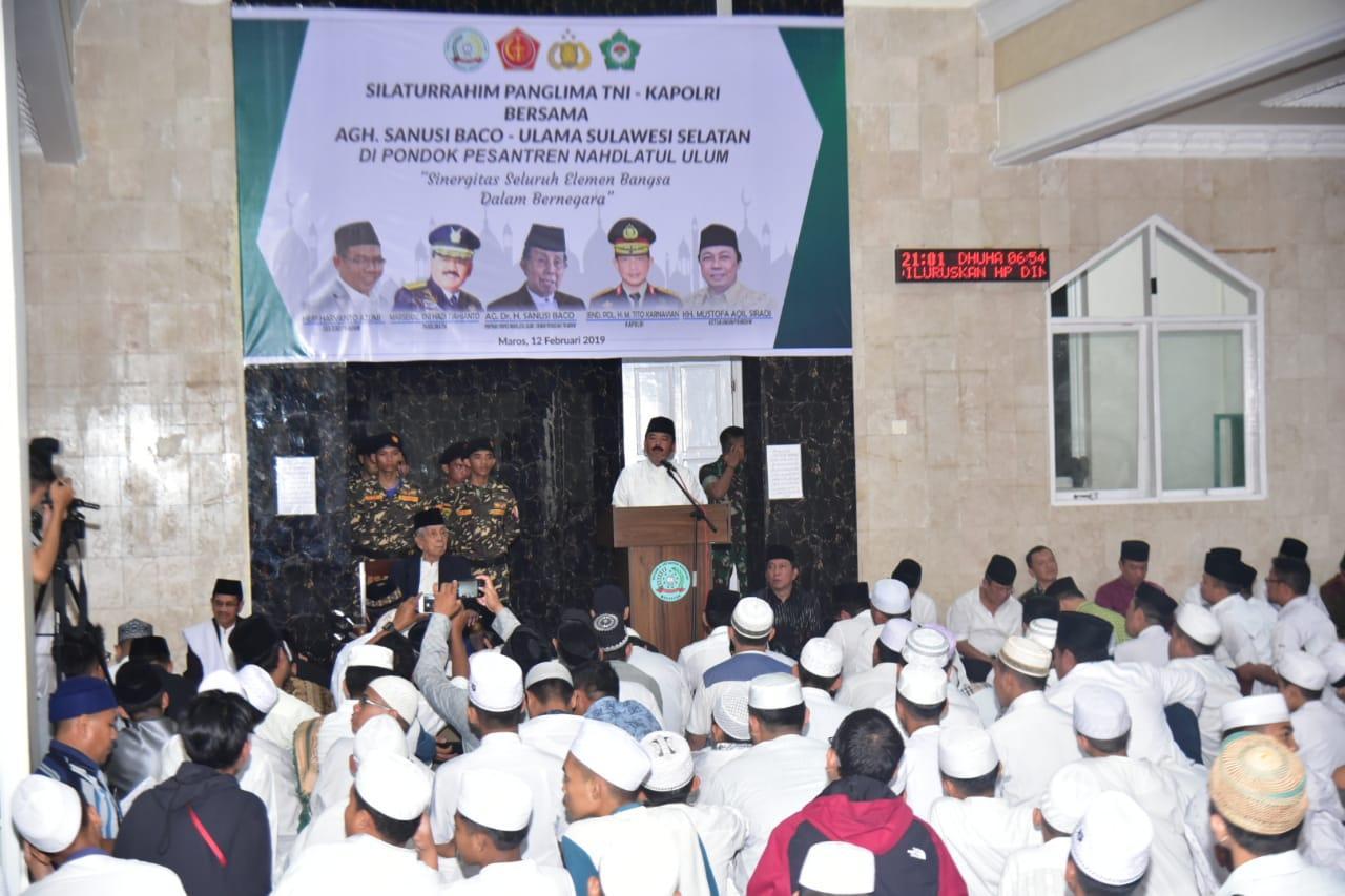 Panglima TNI :  Pesantren Berperan Perkuat Persatuan dan Kesatuan