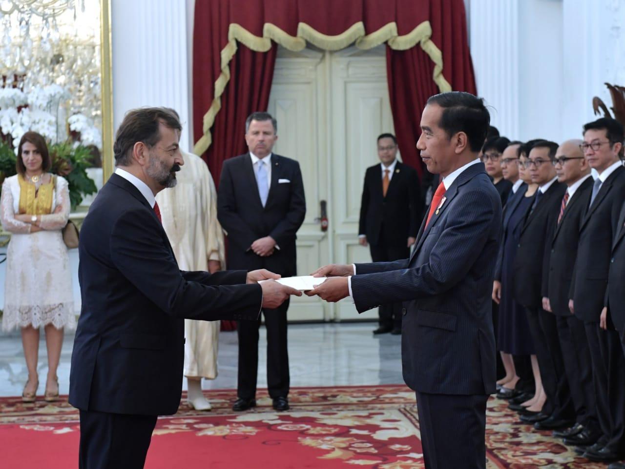 Presiden Jokowi Terima Surat Kepercayaan 11 Duta Besar Negara Sahabat