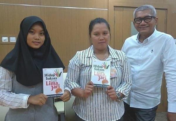 Surat Masyarakat Buat Agun Untuk Kembali Kembali Duduk Di Gedung Parlemen