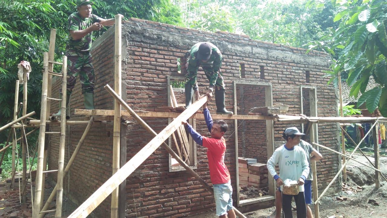 Selain Jago Tempur, Satgas TMMD 104 Jember Juga Jago Bangun Rumah