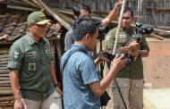 Bersama Awak Media, Kapendam V Brawijaya Pantau Pelaksanaan TMMD ke-104 di Sumenep