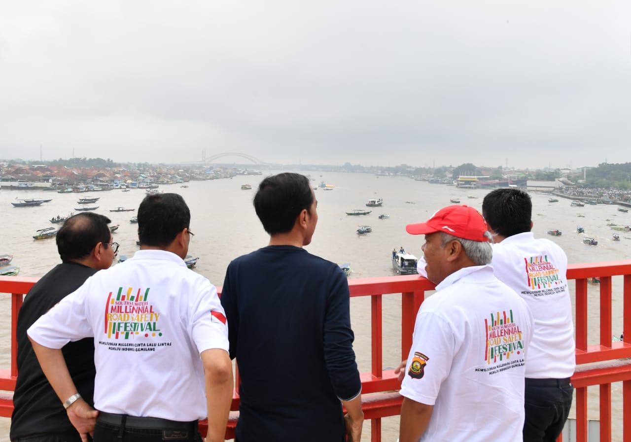 Kaum Muda Palembang Sambut Presiden di Acara Deklarasi _Millennials Safety Road