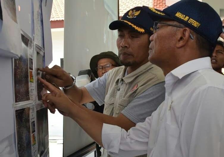 Mendikbud Tinjau Terdampak Banjir Di Kabupaten Madiun