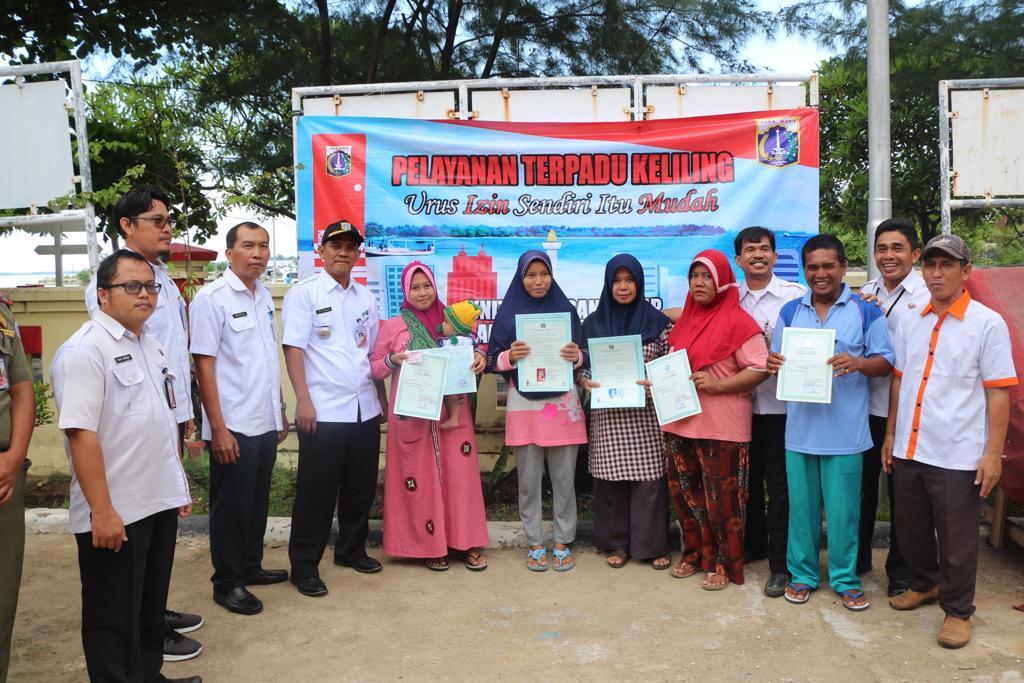 Semakin Dekat dengan Warga, DPMPTSP Provinsi DKI Jakarta Sambangi Pusat Pemukiman di Kepulauan Seribu