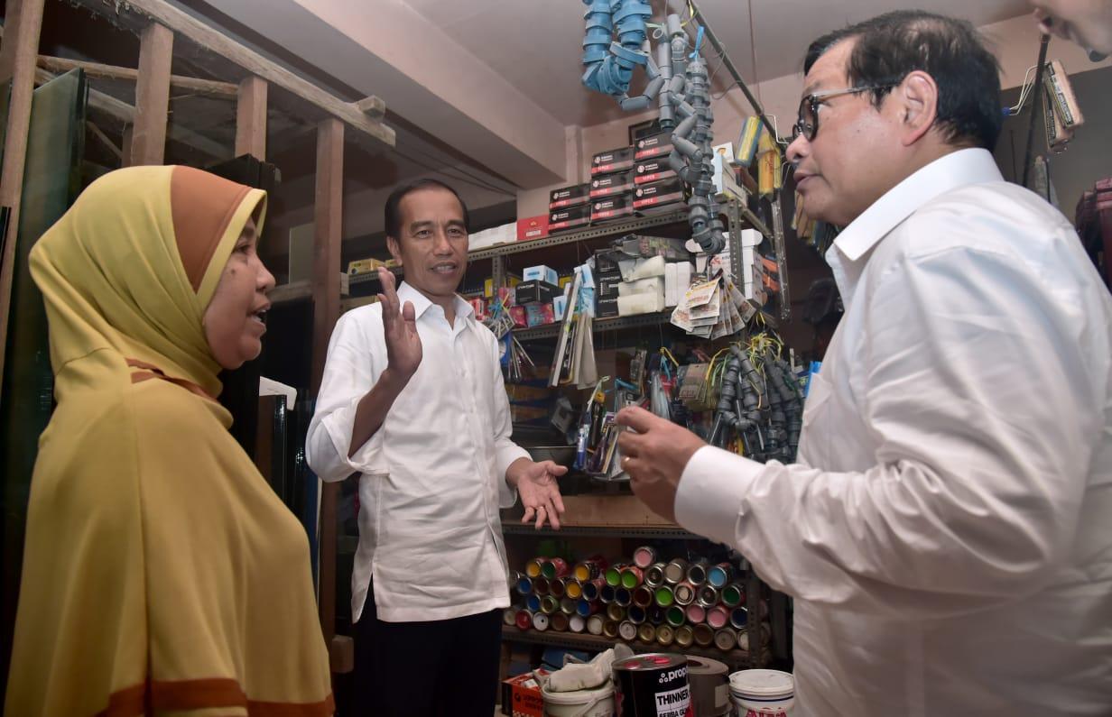 Presiden Singgah di Toko Bahan Bangunan, Cek Pasokan Semen di Lombok