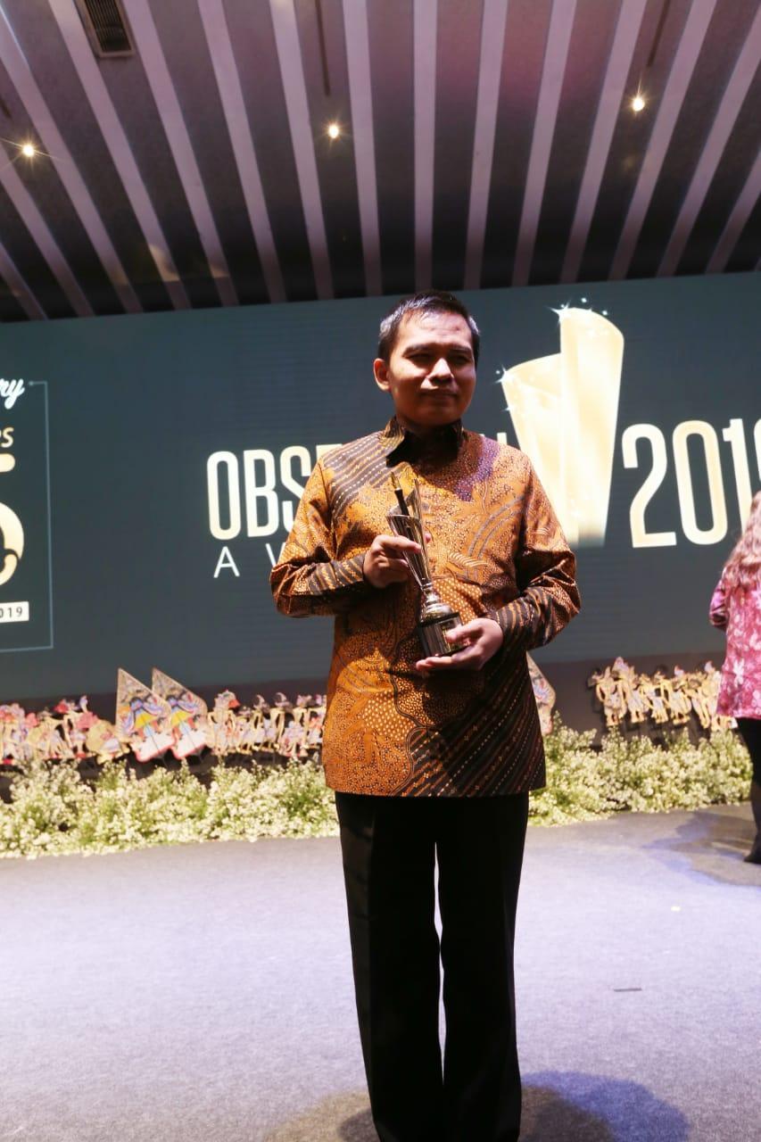 Sesjen MPR Mendapat Penghargaan Sebagai Birokrat Teladan