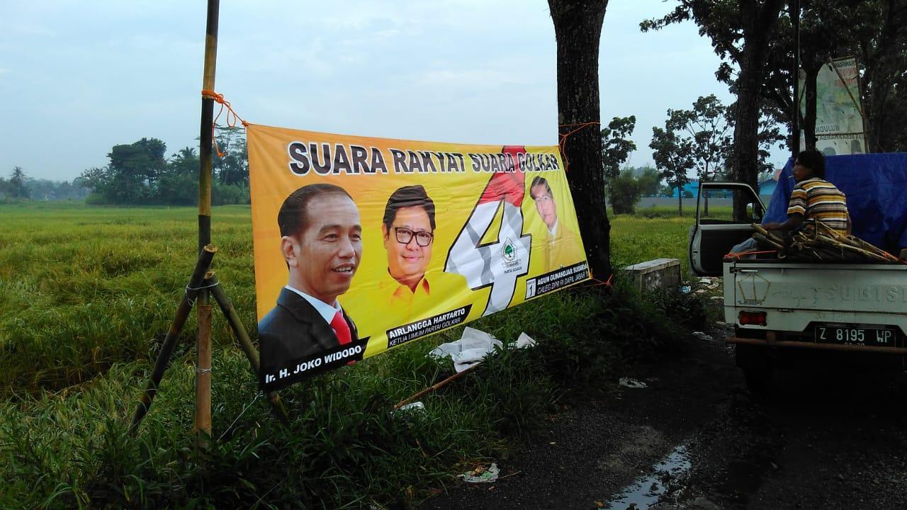 Tim Pemenangan Agun Mulai Tebar Spanduk di Jawa Barat