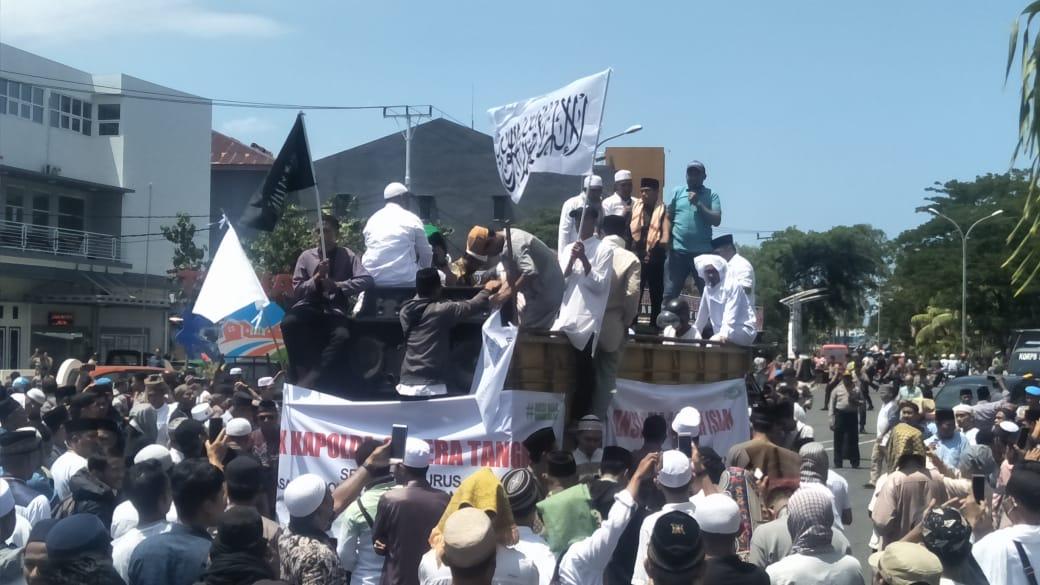 Aksi Bela Aqidah Islam, di Depan Mesjid Al- Munawar