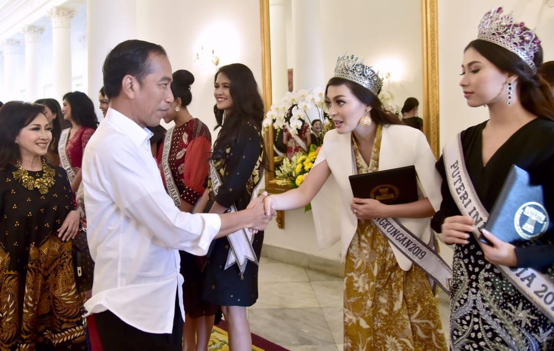 Presiden Joko Widodo Terima Finalis Puteri Indonesia 2019 di Istana Bogor