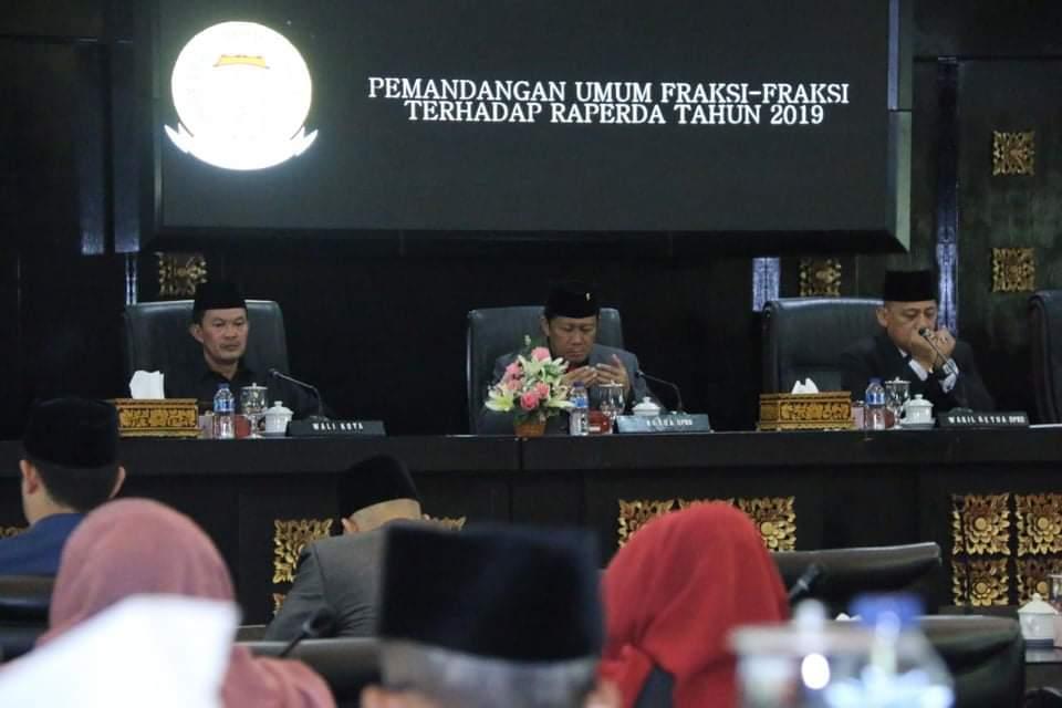 Paripurna DPRD Palembang Bahas Pemandangan Umum Fraksi Terhadap Raperda 2019