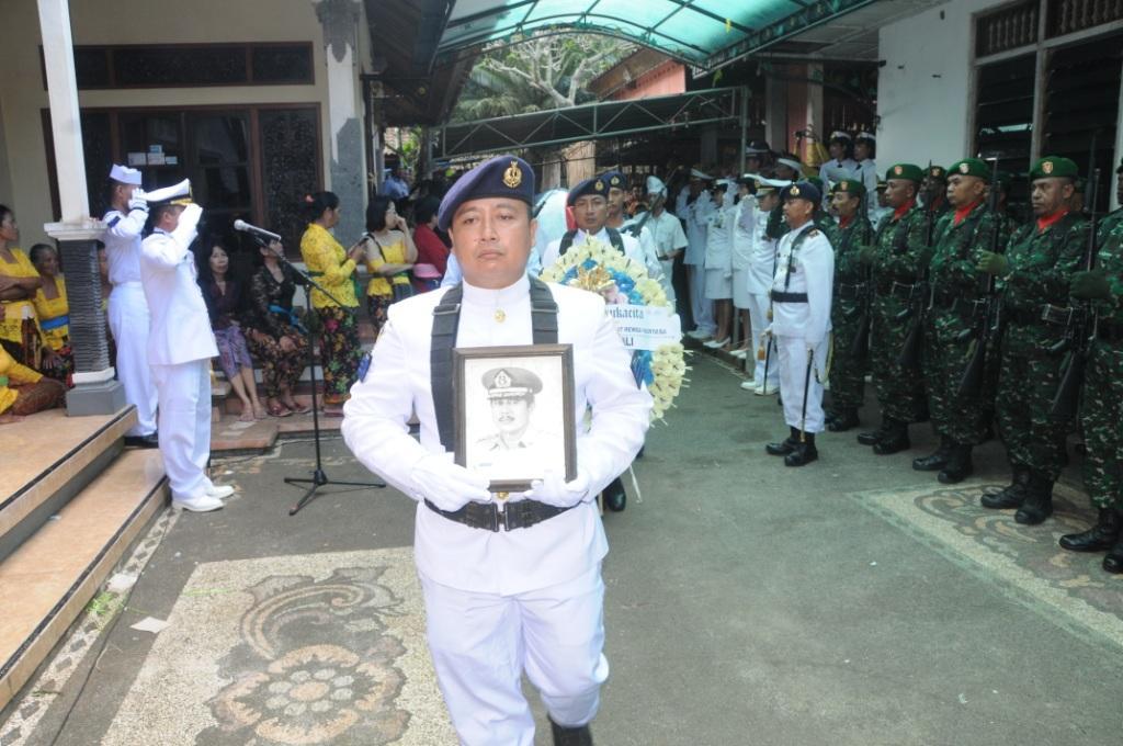Upacara Deputasi Almarhum Kolonel Laut (Purn) I Gusti Ketut Renga Hadiyasa