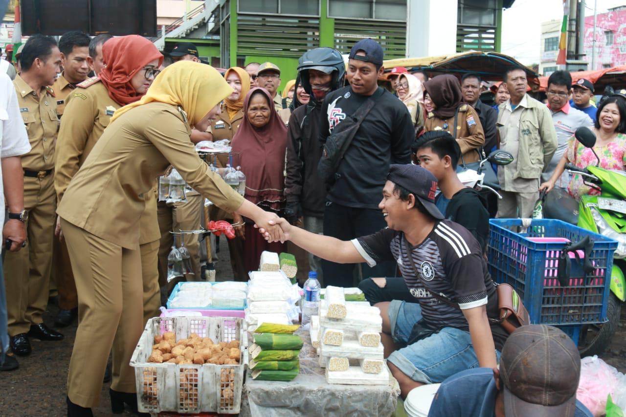 "Pasar Palimo Selesai Renovasi: ""Begini Kata Wakil Walikota Palembang Fitrianti Agustida"""