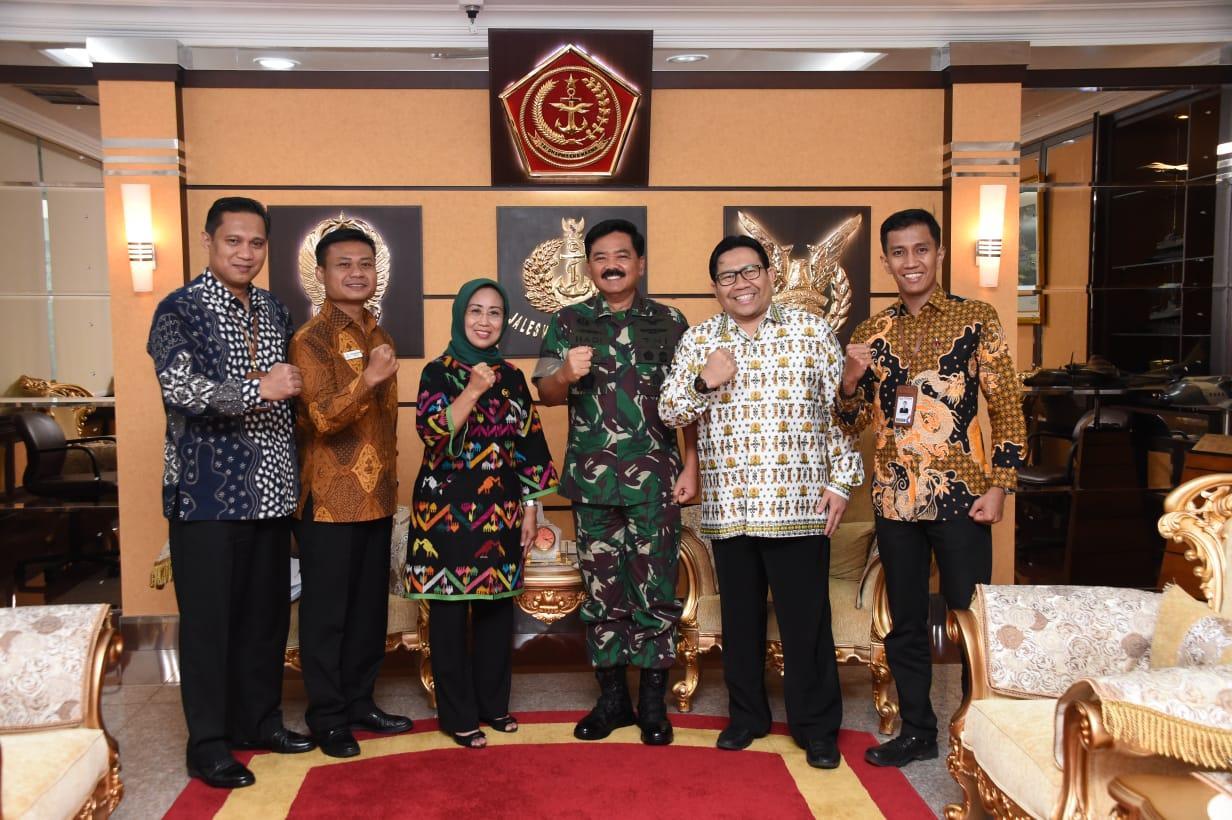 Berita Foto : Panglima TNI Terima Kunjungan Ombudsman RI