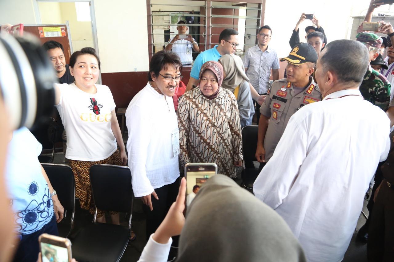Wali Kota Risma bersama Forpimda Surabaya Tinjau TPS dan Pos Pengamanan