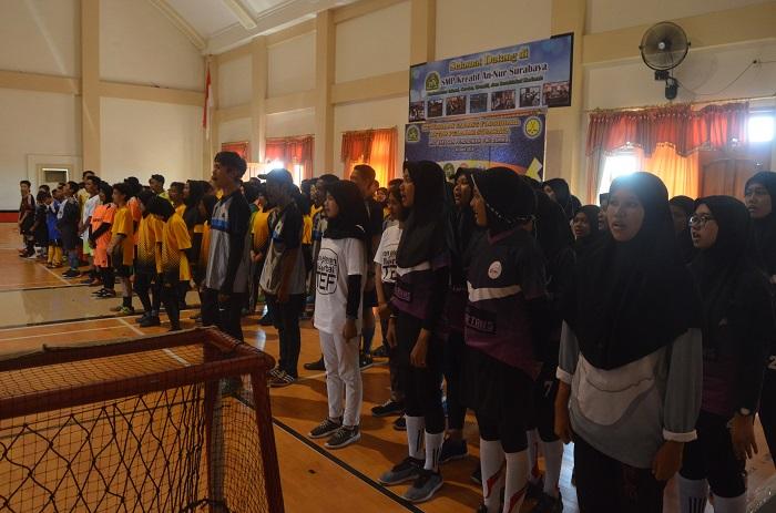 17 Team Bertanding Pada Kejuaraan Floorball di Surabaya