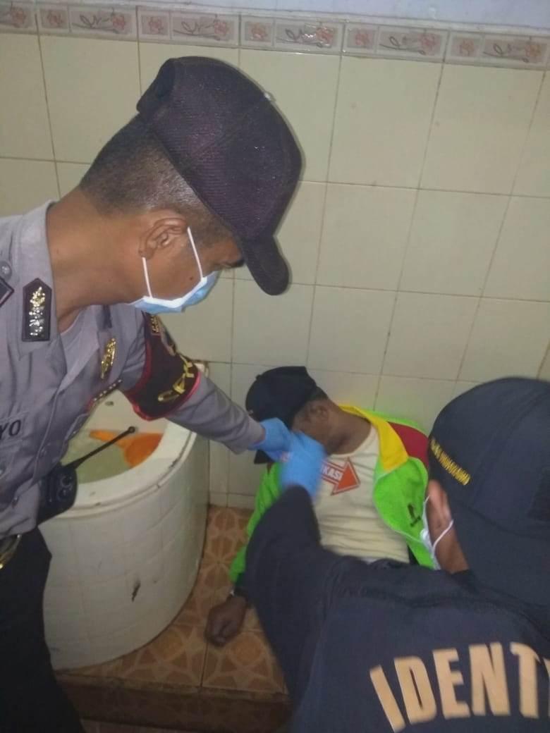 Sesosok Mayat Laki-Laki Ditemukan di Toilet Terminal Mendolo