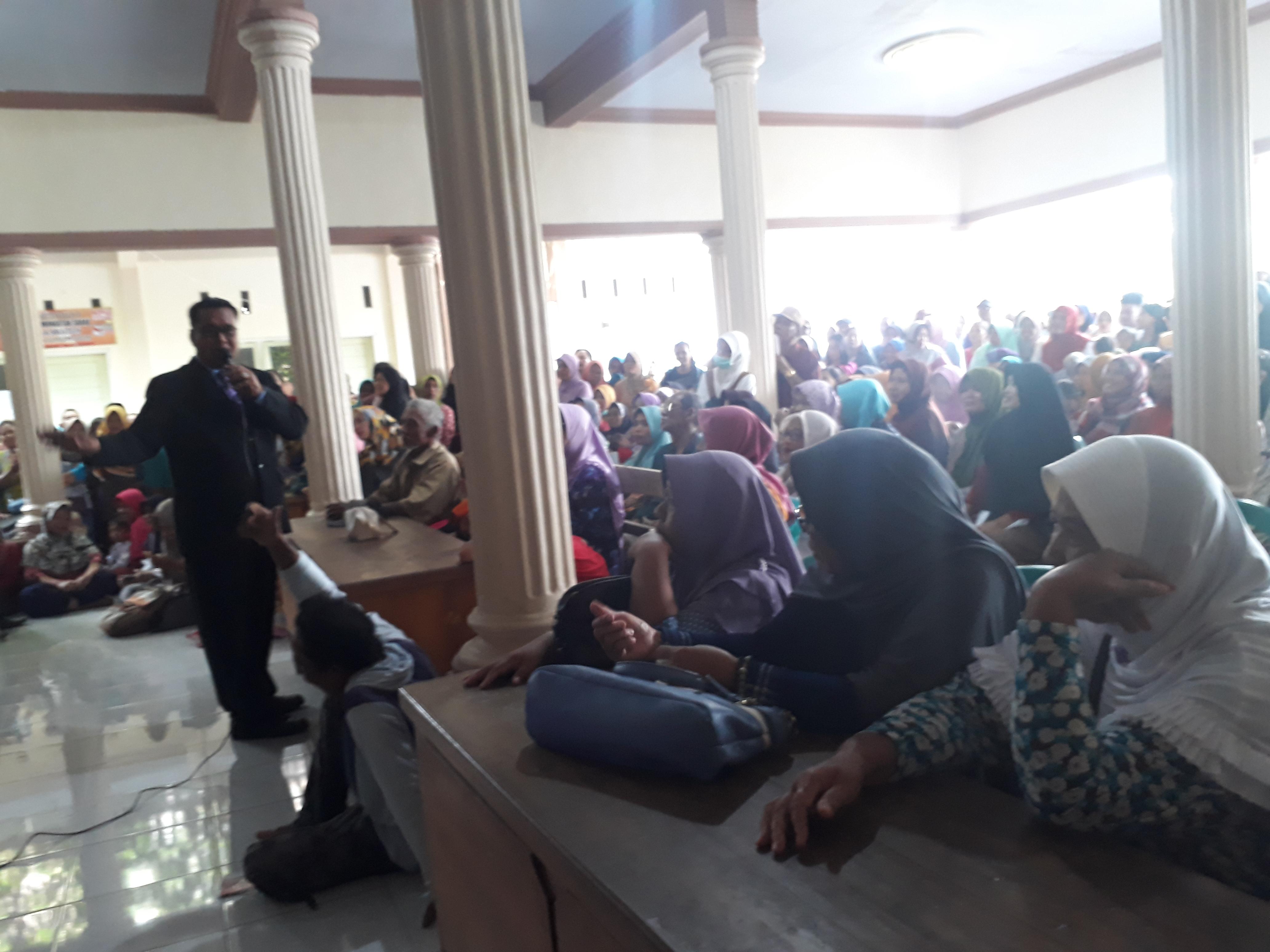 Dikabarkan Bangkrut, Ratusan Anggota KUD Trijaya Tagih Uang Tabungannya