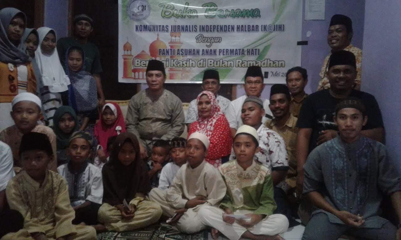 K@jih Halbar, bersama Bupati Danny memberikan Bingkisan Ramadhan dipanti asuhan.