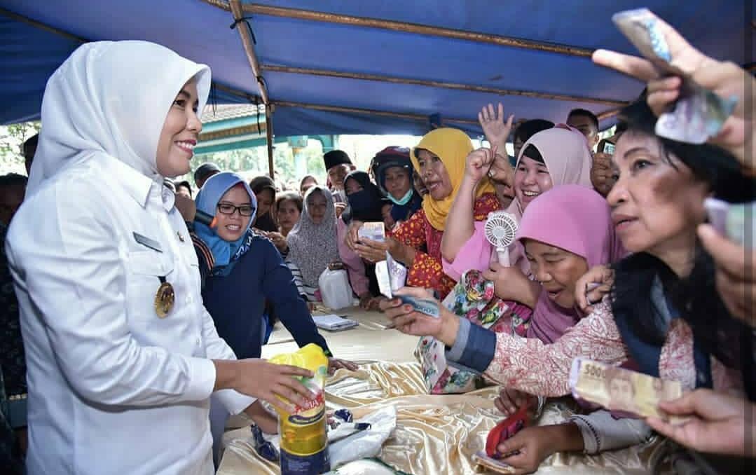 Wakil Walikota Palembang Fitrianti Agustinda Buka Secara Resmi Bazar Ramadhan