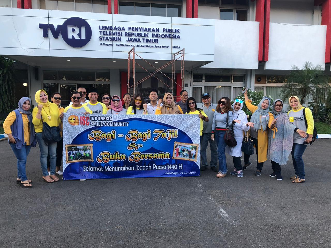 ISC Kembali Berbagi Ribuan Takjil di Surabaya