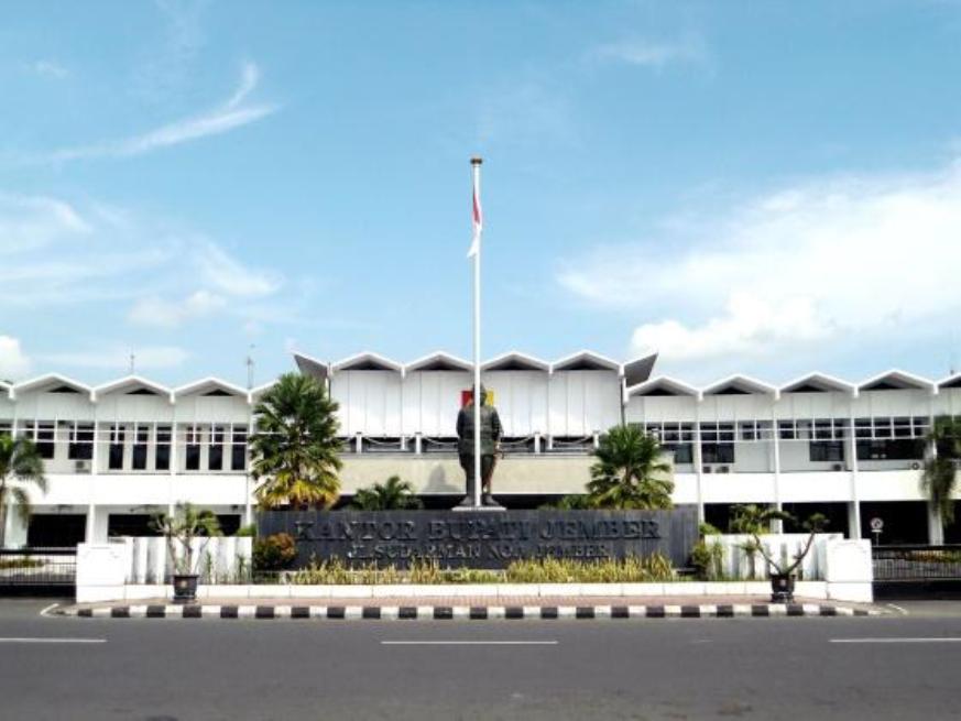 Layanan Adminduk di Kecamatan Sumberbaru, Begini Ungkap Bambang