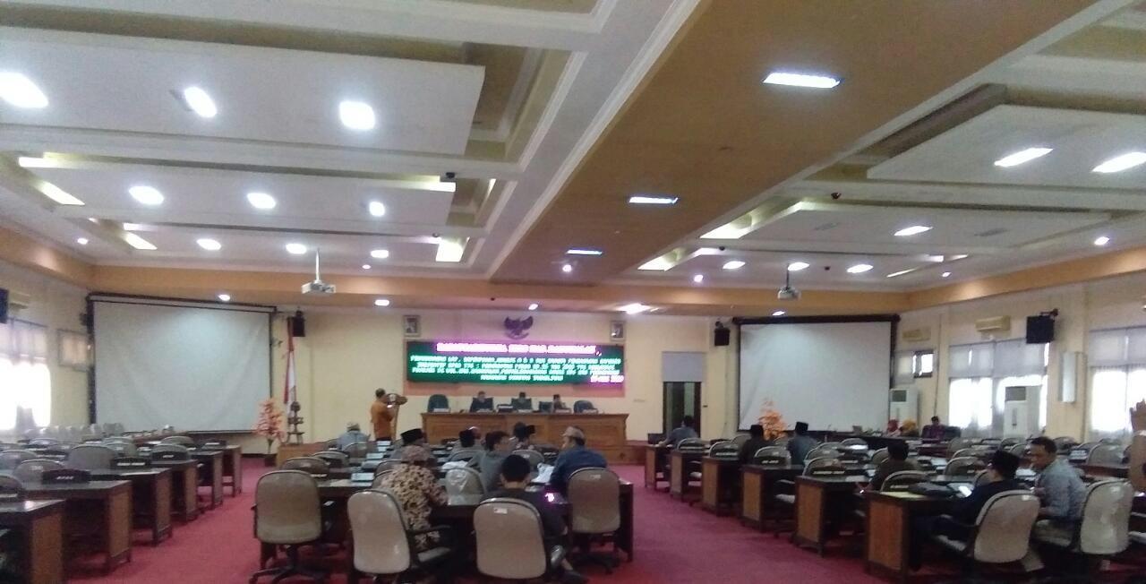 Hanya 20 Anggota Dewan yang Hadir, Rapat Paripurna Ditunda