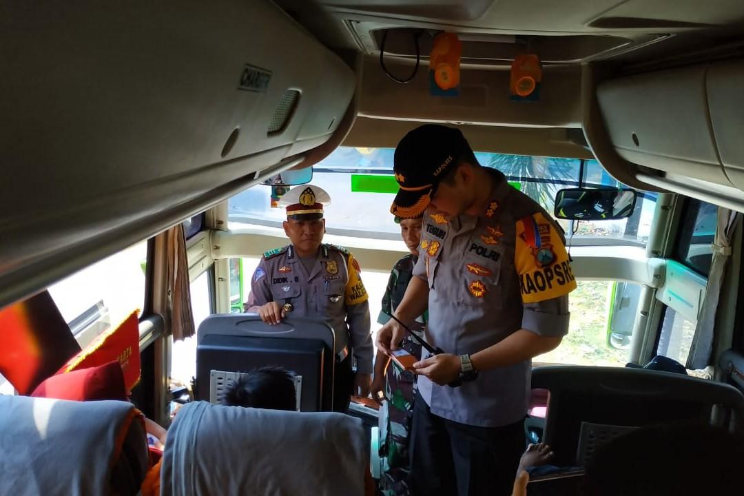 Razia Di Terminal, Polres Pamekasan Tidak Menemukan Warga Yang Akan Berangkat Ke People Power di Jakarta