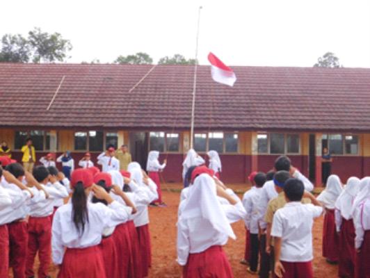 Upacara Pengibaran Bendera Merah Putih
