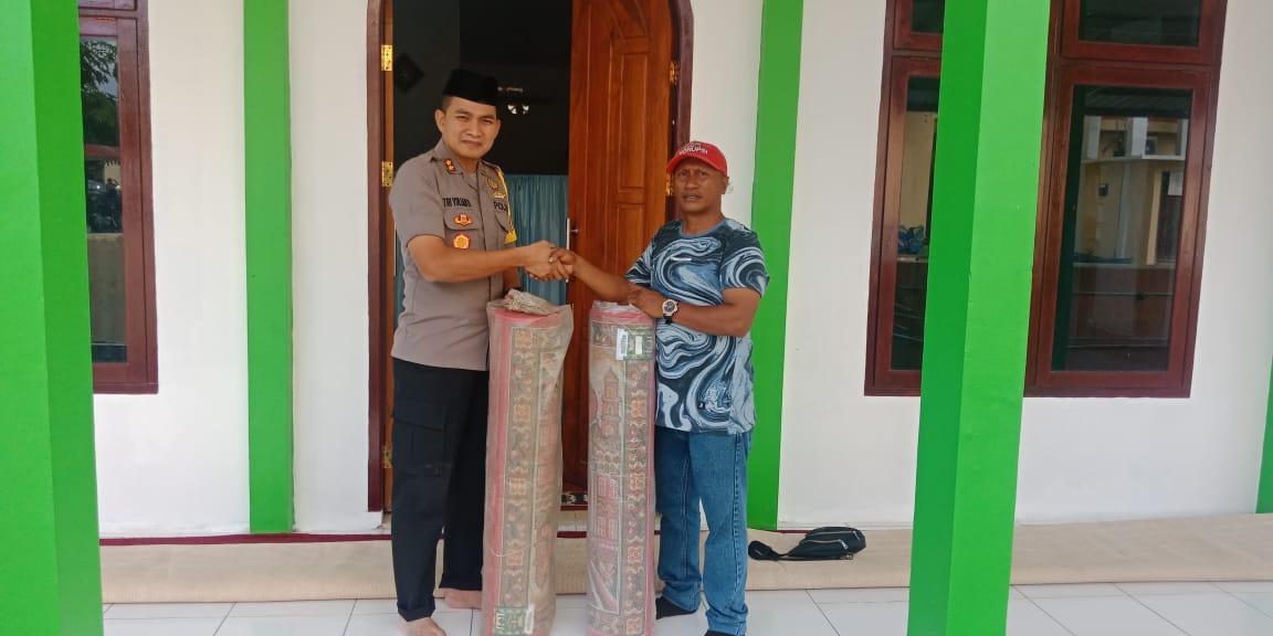 Marhaban Yaa Ramadhan, Kapolres Kepsul Berikan Bantuan Karpet pada Mushola An – Nur.