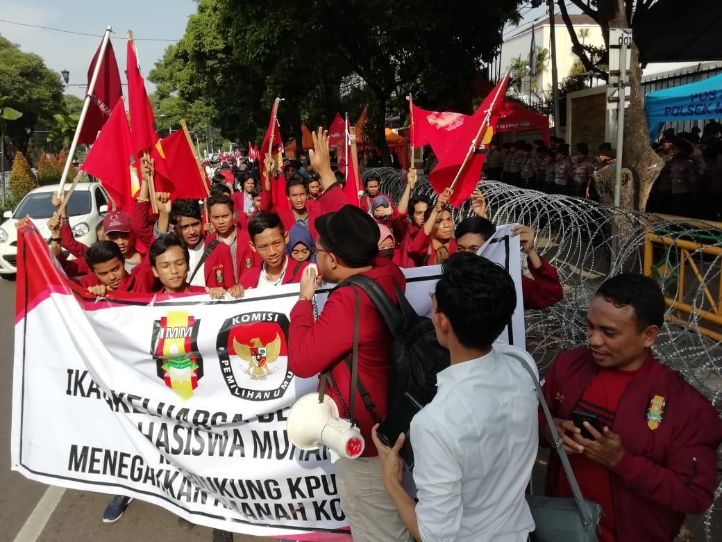DPP IMM Gelar Demontrasi Dukung KPU dan Tolak Narasi Kecurangan