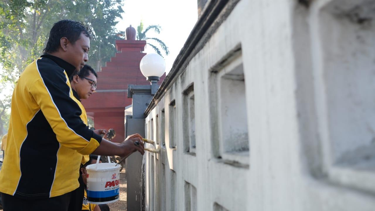 Polresta Sidoarjo, Bersihkan TMP Jelang Hari Bhayangkara Ke 73