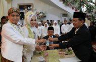 Akad Nikah Putri Gubernur Jatim Berlangsung Lancar