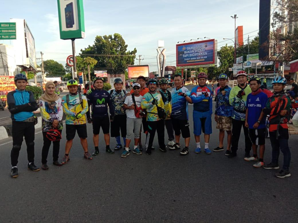 Jalin Siraturahmi Waka Polres Labuhanbatu Gowes Bareng ISSI dan Club Sepeda