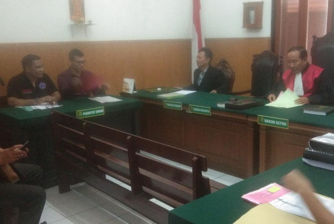 Pengadilan Negeri Surabaya Kabulkan Praperadilan Notaris Maria Lidwina