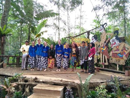 Wisatawan Mancanegara pun Ramaikan Anniversary Pertama Pasar Kumandang