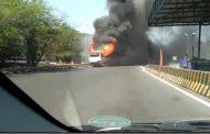 Bus AKAS Terbakar di Tol Sidoarjo